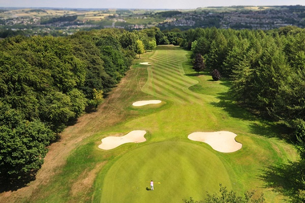 Play Golf in Huddersfield